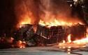 Video: Hiện trường vụ hỏa hoạn khiến 2 người bị chết cháy trong xe tải