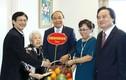 Thủ tướng thăm hỏi và chúc mừng các nhà giáo