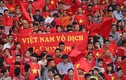 CĐV reo hò vỡ tung khán đài chào đón đoàn Thể thao Việt Nam