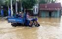 Xót xa cảnh người dân chạy lũ ở Quảng Nam