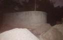 Hoảng hồn phát hiện người đàn ông chết trong lu nước ở khu mộ cổ