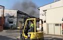 Cháy kho xưởng hơn 2.000 m2 ngày 28 Tết: Hàng trăm công nhân hốt hoảng tháo chạy