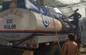 Đột kích kho rút ruột xăng dầu ở vùng ven TP.HCM