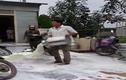 Nghệ An: Người đổ sữa xuống đất xin lỗi Vinamilk