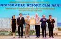 Cam Ranh: Movenpick Resort và Radisson Blu Resort được công nhận 5 sao