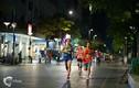 Chân chạy cự ly full marathon chia sẻ cách thích nghi trong thời gian giãn cách