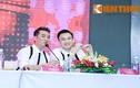 Mr Đàm diện đồ đôi cùng Dương Triệu Vũ dự họp báo