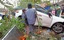 Video: Hãi hùng ô tô mất lái lao vào chợ cóc đâm 7 người
