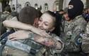 Xúc động vòng tay chào đón lính Ukraine trở về