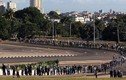 Hàng nghìn người xếp hàng viếng lãnh tụ Fidel Castro