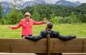 Liệu có ngày bà Merkel và ông Trump thân thiết được như thế này?