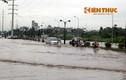 """Hà Nội lại """"lụt"""", xe chết máy la liệt giữa đường"""