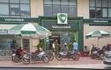 Truy bắt kẻ bịt mặt dùng súng cướp ngân hàng Vietcombank