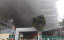Khói lửa mịt mùng bao trùm chung cư QMS Tower ở Hà Nội