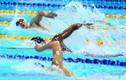Huy Hoàng khoe cơ bắp sau khi phá kỷ lục SEA Games