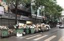 30 Tết, hè phố Hà Nội ngập ngụa trong rác
