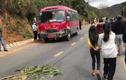 3 người trong một gia đình tử vong sau khi va chạm với xe khách