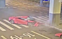 Video: Tông vào trụ bê tông, siêu xe Lamborghini 69 tỷ đồng nát đầu
