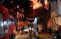 Hà Nội: Cháy nhà 3 tầng gần trạm xăng, người dân hoảng loạn tháo chạy