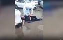 Video: Tài xế say xỉn lao thẳng xe vào chốt kiểm dịch, 1 cảnh sát bị gãy chân