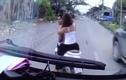 Video: Người đàn ông xăm trổ chở vợ chặn đầu thách thức tài xế
