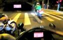Video: Nam thanh niên phóng mô tô 157 km/h bỏ chạy khi bị cảnh sát truy đuổi