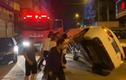 Video: Người dân hò nhau lật ô tô, dọn đường cho xe cứu hỏa