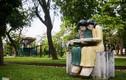 Tượng ở công viên Thống Nhất bỗng dưng đổi màu, dân xôn xao