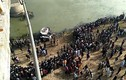 Ấn Độ: Xe khách lao xuống sông hơn 30 người thiệt mạng