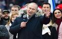Tổng thống Putin hát Quốc ca Nga cùng hàng vạn người ủng hộ