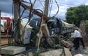 Ôtô tải tông chết 1 người rồi ủi sập trạm biến áp