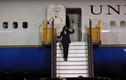 Phó Tổng thống Mỹ Kamala Harris tới Nội Bài sau 3 giờ trì hoãn