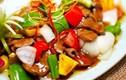 Video: Thưởng thức món gà xào thập vị của chị Lý ngon hết ý!