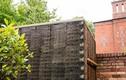 Độc đáo căn nhà được làm từ hơn 500 cây chổi dừa