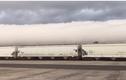 """Video: Hình ảnh kỳ lạ, đoàn tàu """"chở mây"""" dài bất tận"""