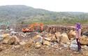 """Gia Lai: Mỏ đá gây ô nhiễm, dân """"bao vây"""" máy móc"""