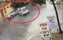 """Video: Hai ô tô đâm nhau như phim tại ngã tư """"tử thần"""""""