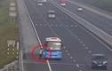 Video: Xe khách vô tư bắt khách trên cao tốc