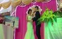 Video: Chú rể hát trong đám cưới khiến dân mạng sốt rần rần