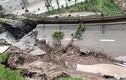 Video: Khoảnh khắc cả con đường bất ngờ sụp đổ trong tích tắc