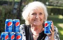 Bà cụ 64 năm không uống gì ngoài 4 lon nước ngọt mỗi ngày