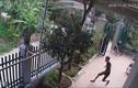 """Video: """"Tập đoàn choai choai"""" vác dao kiếm xông vào nhà dân chém người"""