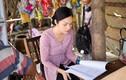 Dương Cẩm Lynh may 10 bộ áo bà ba đi bán nước mía, trái cây