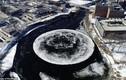 Video: Vòng tròn băng khổng lồ như đĩa bay UFO lộ diện trên sông Mỹ