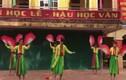 Video: Nam sinh múa quạt theo phong cách Vinahouse cực ngầu