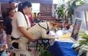 Video: Chú chó khóc trước linh cữu người chủ đã mất ở Philippines