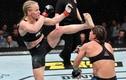 Video: Khoảnh khắc nữ võ sỹ UFC knock-out đối thủ chỉ bằng một đòn đá