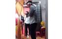 Video: Chàng trai nhảy và múa quạt trong đám tang người thân