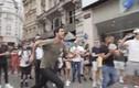 Video: Thanh niên nhận 1.000 USD nhờ tái hiện cú nhảy khó tin của Ronaldo