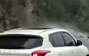 Video: Cảnh sát lớn tiếng cảnh báo tài xế lùi kịp lúc giúp ôtô thoát nạn